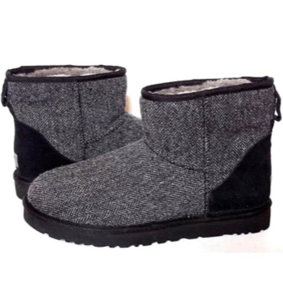 f7013330bdd UGG Mens Classic Mini Tweed Shearling Boots 9 NEW